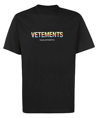 Vetements UE51TR620B THINK DIFFERENTLY T-Shirt