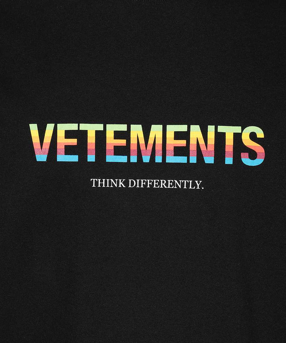 Vetements UE51TR620B THINK DIFFERENTLY T-shirt 3