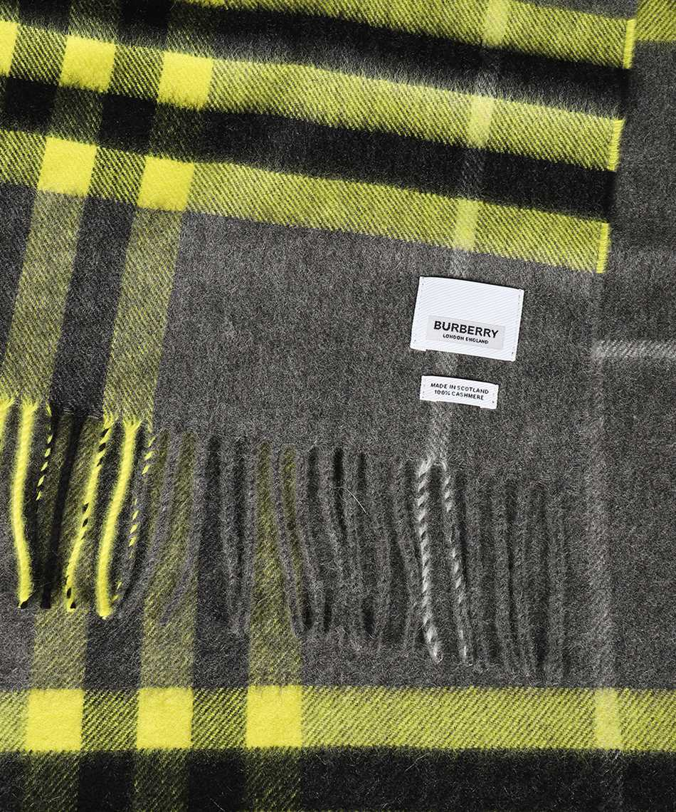 Burberry 8033908 THE CLASSIC Scarf 2