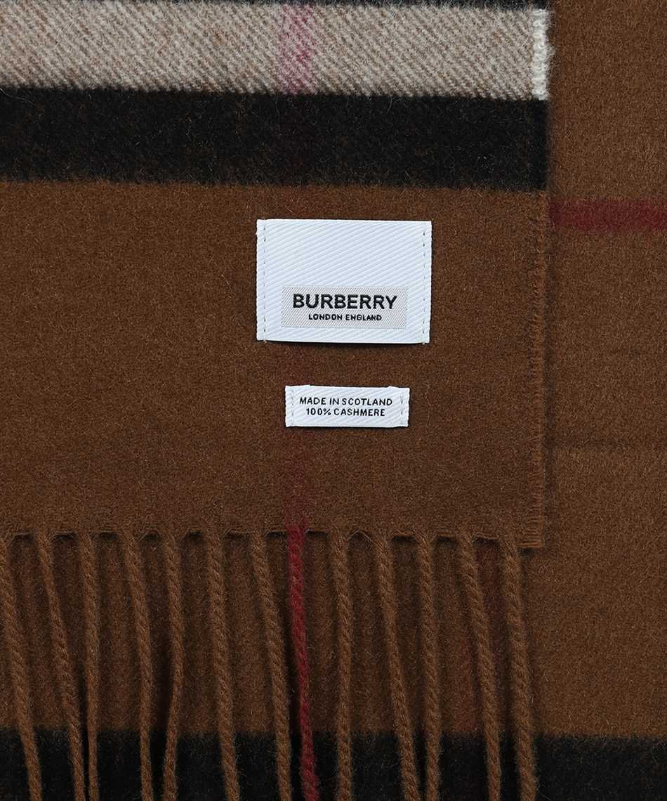 Burberry 8037147 THE CLASSIC Šál 2