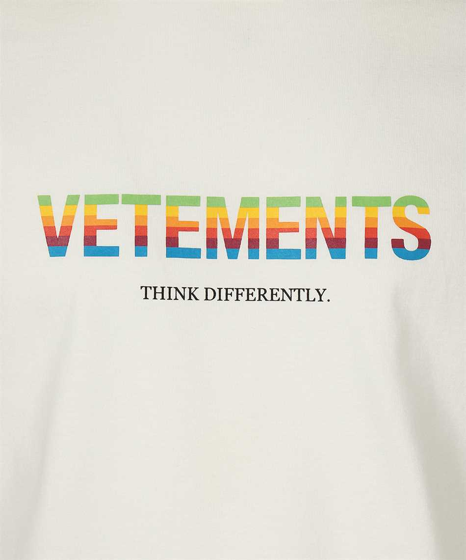 Vetements UE51TR620W THINK DIFFERENTLY Tričko 3